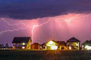 So schützen Sie Ihre Geräte vor Blitzschäden